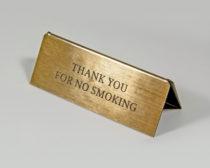 Табличка не курить на стол ресторана